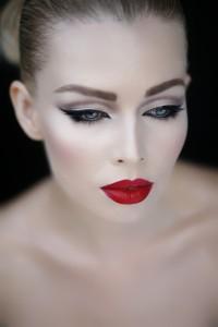 Pale Skin Makeup Look